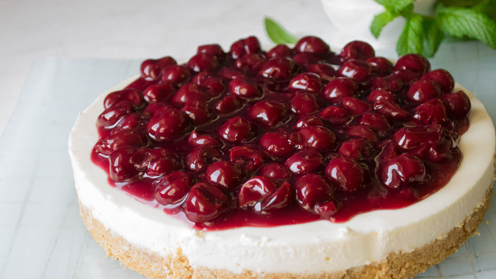 Cheesecake με Dirollo Spread και Βύσσινο