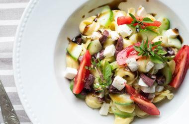 Σαλάτα με Τορτελίνια και Mozzarella Dirollo